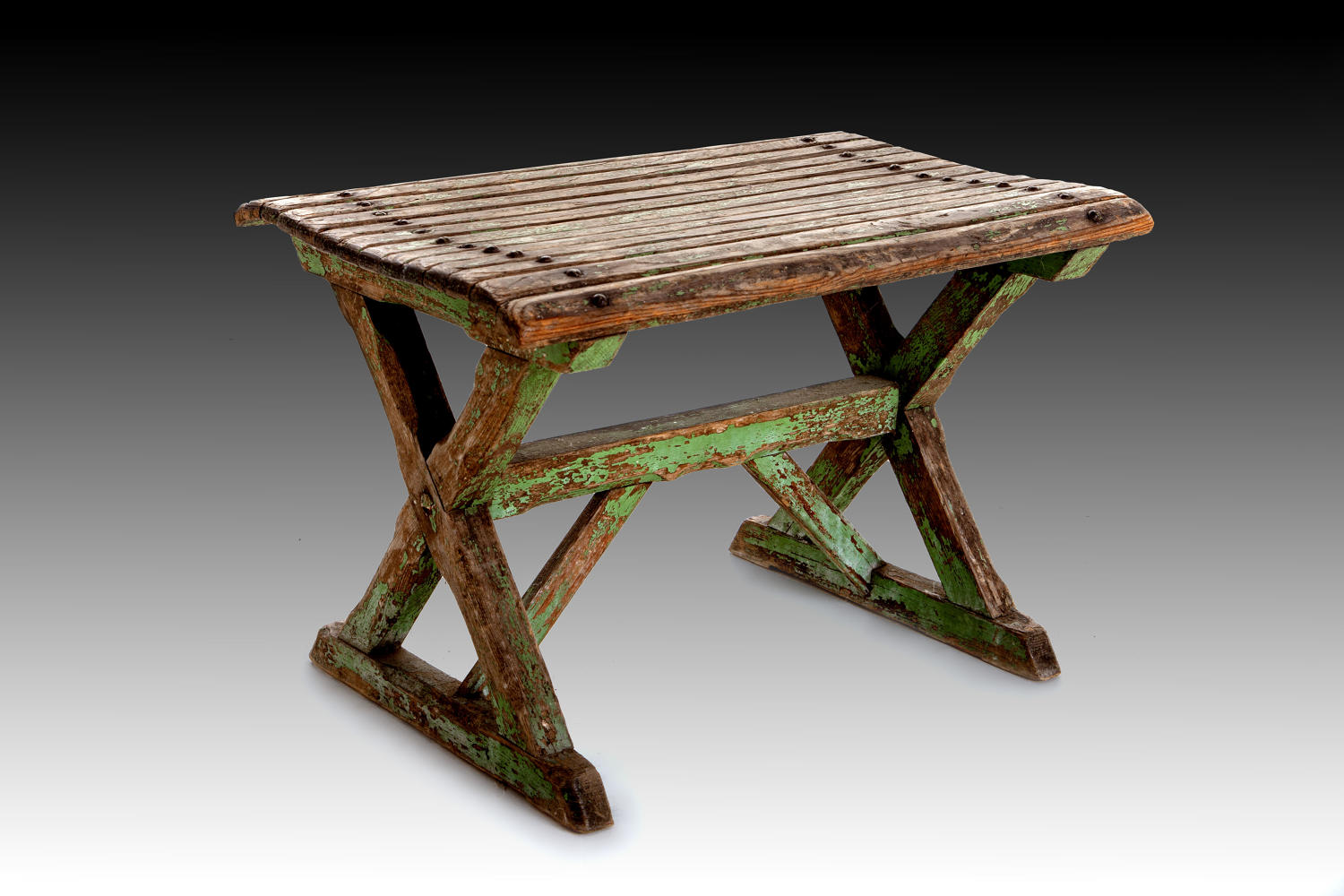 An early 20th century Artists seat c.1900