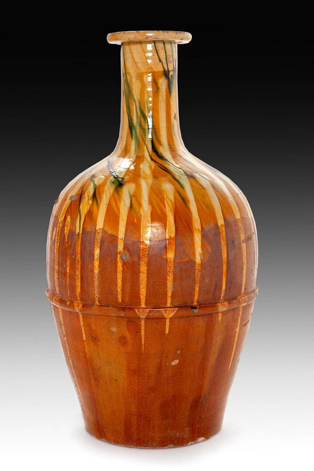 A 19th century Puglia oil jar