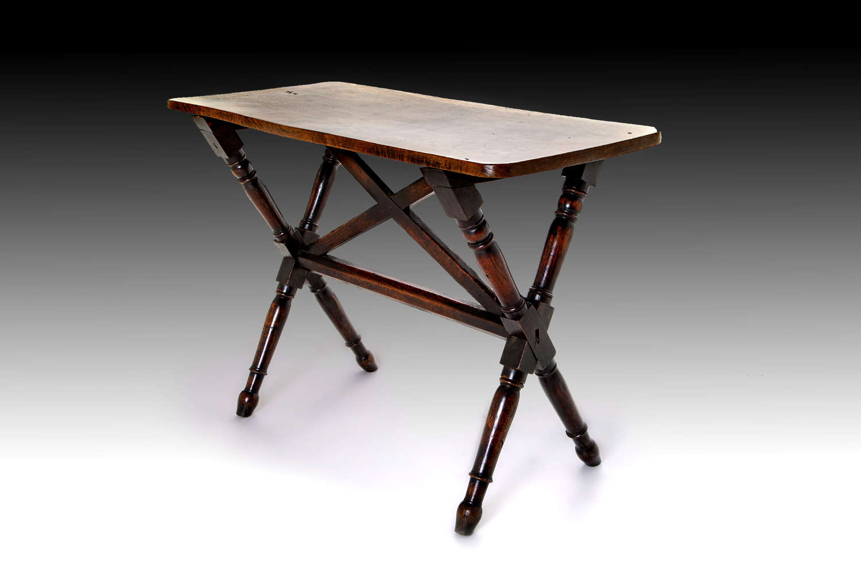 A Fine late 18th century Oak Tavern Table